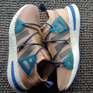 New women's Adidas arkyn
